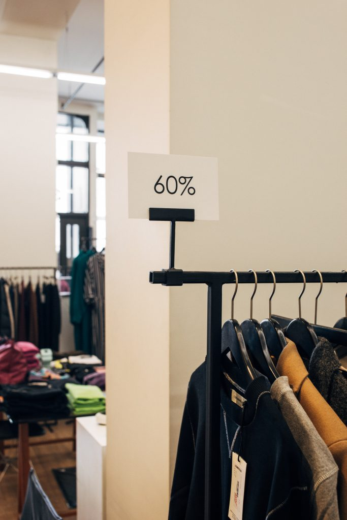 62% 0f smartphone owners use them for shopping